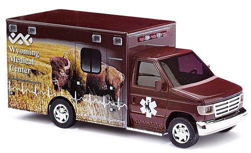 Busch Voitures - BUV41831 - Modélisme Ferroviaire - Camion Ford E-350 Soins Médicaux pour Buffles