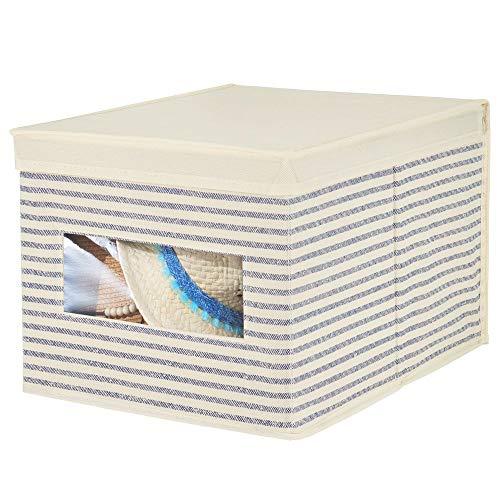 MetroDecor mDesign boîte de Rangement empilable en Fibre synthétique pour Dressing, Chambre à Coucher, etc. – Grande Caisse de Rangement avec Couvercle et fenêtre pour vêtements – Blanc cassé/Bleu