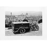 Archivio Foto Locchi Firenze – Stampa Fine Art su passepartout 70x50cm. – Immagine di un gelataio con panorama di Firenze negli anni '30