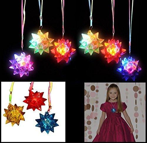 Year Spiky Ball Cartoon Stern Herz Leuchten LED Blinkt Blinkt Kristall Stern Halskette Anhänger Rave Spielzeug Party Party Glow Weihnachten Farbe Zufällig ()
