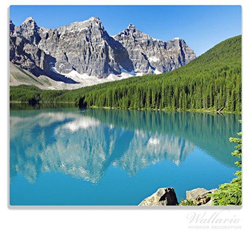 Wallario Herdabdeckplatte / Spitzschutz aus Glas, 1-teilig, 60x52cm, für Ceran- und Induktionsherde, Tiefblauer See mit Bergpanorama und Wäldern – Kanada