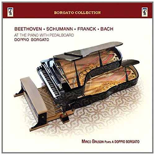 mirco-bruson-plays-doppio-borgato-at-the-piano-with-pedalboard
