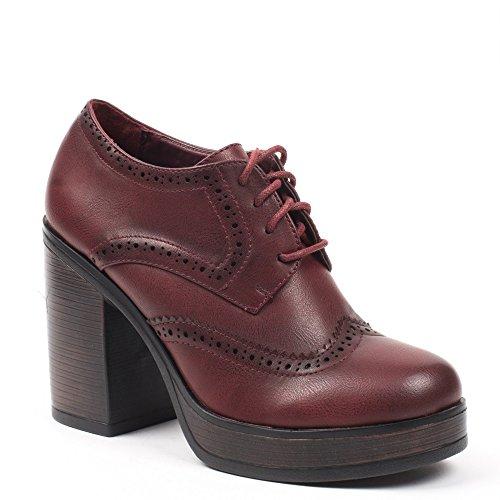 Ideal Shoes - Richelieu à talon épais Kaely Rouge