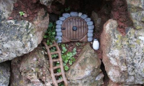 Hobbit-Portal-Round-Hobbit-Door-Ideal-For-Gardens-And-Bottom-Of-Trees