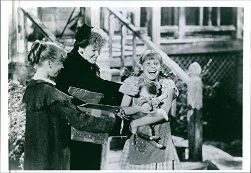 vintage-photo-of-still-of-eileen-brennan-and-tami-erin-in-the-1988-film-the-new-adventures-of-pippi-