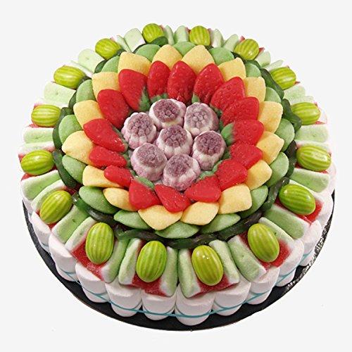Tarta confeccionada con 950 g de golosinas de frutas. Peso neto: 950 g Contiene 147 uds. Golosinas. Medidas: diámetro 27 cm. Presentación con caja elegante y retractilado.