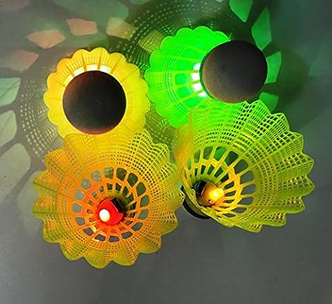 Led badminton, Inngree LED Nuit Obscure de l'environnement volants en nylon Glow Birdies éclairage pour extérieur/intérieur activités de sports, multicolore, 4PCS