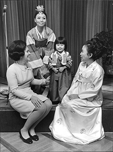 vintage-photo-of-international-womens-club-president-mrs-mary-lankford-with-koon-young-kang-ambassad