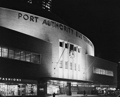 USA New York State New York City Port Authority bus terminal on 8th Avenue Poster Drucken (45,72 x 60,96 cm) - New York Bus Terminal