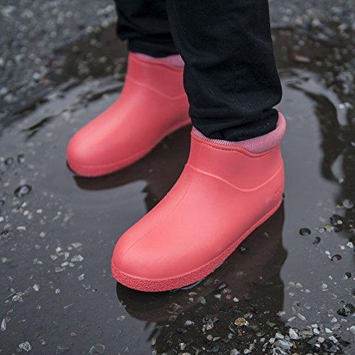 mouille d'adhérence à l'hiver des bottes nordiques baie