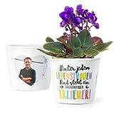 Erzieher Geschenk Blumentopf (ø16cm) | Zum Kita Abschluss oder Geburtstag mit Rahmen für zwei Fotos (10x15cm) | Hinter jedem lebensfrohen Kind steht eine großartiger Erzieher!