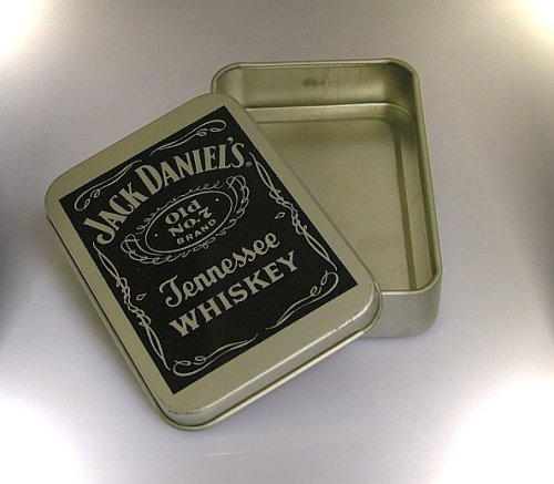 jack-daniels-tobacco-tin-kitchen-home