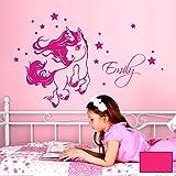 ilka parey wandtattoo-welt® Wandtattoo springendes Einhorn mit Sternen und Wunschnamen Wandsticker Wandaufkleber Sticker Aufkleber M2091 - ausgewählte Farbe: *pink* ausgewählte Größe: *M - 74cm breit x 47cm hoch*