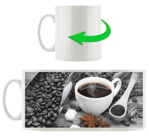 frischer Kaffe neben Kaffeebohnen schwarz/weiß, Motivtasse aus weißem Keramik 300ml, Tolle...
