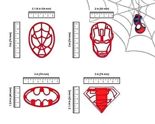 (WNF GROUP Superhero Ausstechformen 4Stück für extra Fun Backen–inklusive Ironman Superman Spiderman Batman Form. Sicher und Kunststoff–Perfekt um Cookies, Kuchen Dekorationen, Cupcake-Belag)