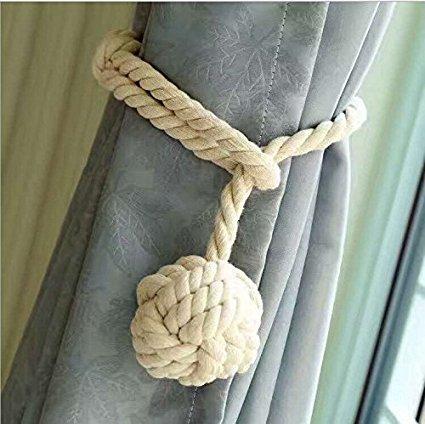 Do4u – una coppia di nappe fermatende in corda, fatte a mano e con un'unica palla, per tenere legate le tende beige