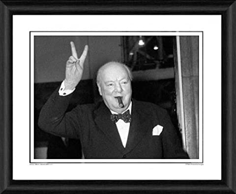 Sir Winston Churchill Victory Framed Photographic print