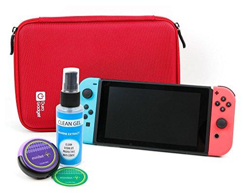 Preisvergleich Produktbild DuraGadget EVA Hartschalen Etui | Case - Rot + Reinigungsroboter | Cleaning Robot | Bildschirmreinigung - Lila - für Ihre Nintendo Switch Spielkonsole