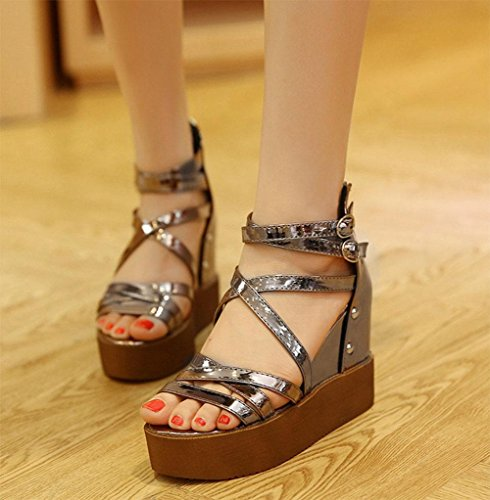 Word-style sandali aperti delle donne sandali scarpe casual sottili con una combinazione di selvaggio femminile gun color