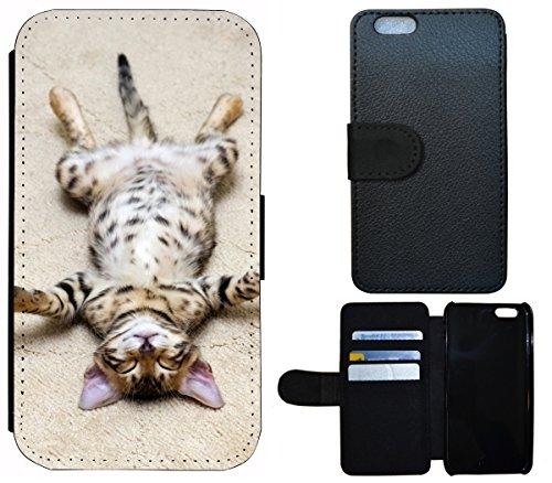 Flip Cover Schutz Hülle Handy Tasche Etui Case für (Apple iPhone 4 / 4s, 1332 Sensenmann Totenkopf Skull Bones) 1336 Katze auf dem Rücken lustig