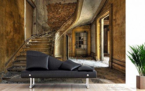 Wallario Premium XXL Vliestapete Massive Steintreppe in herrenlosem Haus – Größe: 400 x 267 cm