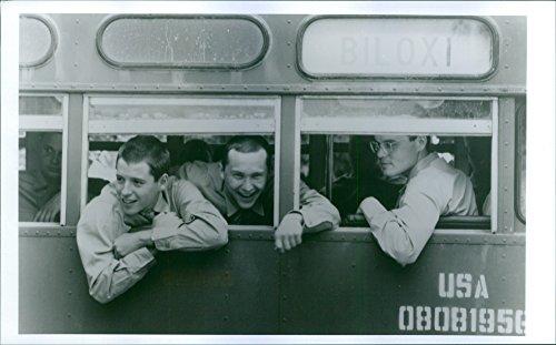 vintage-photo-of-matthew-broderick-casey-siemaszko-e-christopher-walken-in-una-scena-a-1988-american