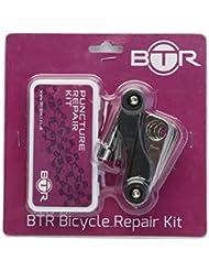 Kit de reparación de pinchazos para bicicletas BTR. 6 parches autoadhesivos, 2 palancas para la cubierta, 2 trozos de tiza y una herramienta multiusos para la bicicleta