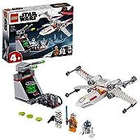 Sfreccia in azione a bordo dell'X-wing Starfighter di Luke Skywalker Ma fai attenzione... lo Stormtrooper sta prendendo la mira con il suo cannone Riuscirai a portare Luke in salvo prima che faccia fuoco?