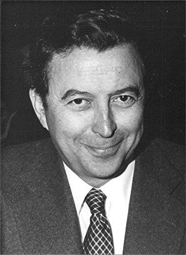 vintage-photo-of-spanish-politician-alberto-oliart-1981