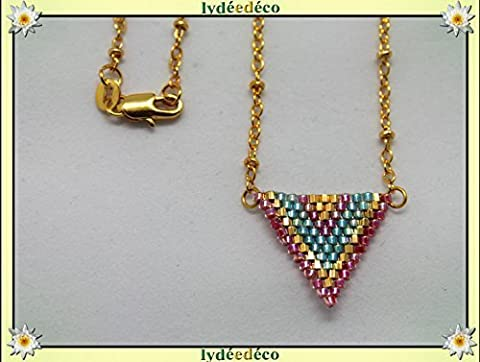 Collier plaqué or perles japonaises vert rose or tissage triangle