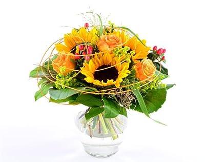 Blumenversand - Blumenstrauß - zum Geburtstag - Sonnenblumengruß mit Sonnenblumen - mit Gratis - Grußkarte zum Wunschtermin versenden von Der Renner - Blumenversand auf Du und dein Garten
