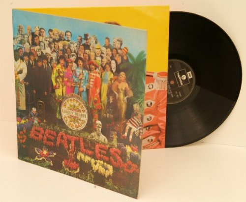 Club Vinyl (THE BEATLES sgt peppers lonely hearts club band. Vinyl repress 1970 with complete insert.)
