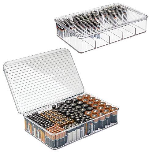 mDesign Set da 2 Scatola contenitore porta batterie – Contenitore per batterie AA, AAA ed altre tipologie – Scatole impilabili per batterie e caricabatterie – trasparente