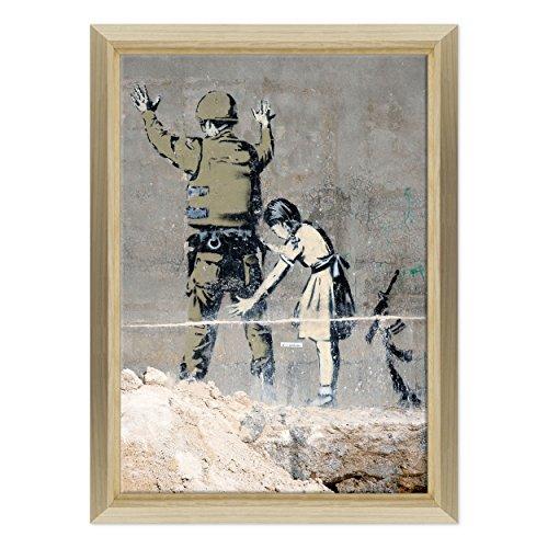 Bild auf Leinwand Canvas–Gerahmt–fertig zum Aufhängen–Banksy–Street Art Dimensione: 70x100cm E - Colore Legno Naturale Design