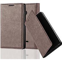 Nokia Lumia 435 Funda Estilo Libro de Cuero Sintético en MARRÓN CAFÉ de Cadorabo (Diseño IMÁN INVISIBLE) – Cubierta Protectora con Cierre Magnético, Tarjetero y Función de Suporte – Protección Carcasa Caja Etui Case Cover