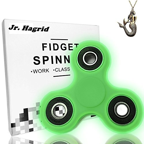 Preisvergleich Produktbild Fidget hand spinner finger Spielzeug Tri Blade Spinner Leuchtend Hand Toy Finger Bar EDC Pocket Desktoy für Kinder und Erwachsene Spielzeug Geschenke Bremskraftbegrenzer von Jr.Hagrid (Glow in Dark)