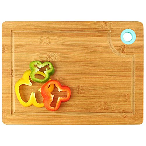 HOKIPO Thick Bamboo Wooden Chopping Board with Finger Hole & Juice Groove, 33 x 23 cm