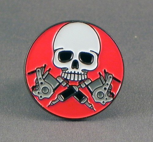 metal-enamel-pin-badge-brooch-tattoo-skull-and-guns