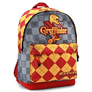 51rEs6CiQTL. SS324  - Karactermania Harry Potter Quidditch Gryffindor Mochila Tipo Casual, 44 cm, 23 litros, Rojo