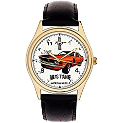 VINTAGE 70s FORD MUSTANG 302 COLLECTIBLE LARGE 40 mm WRIST WATCH