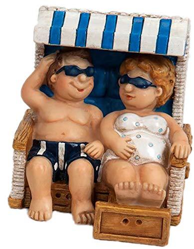 dekojohnson Urlauber-Paar Touristenpaar Mini Deko Pärchen Strand-Korb Mann Frau Wohnung Ostsee Blau/Weiß Maritim 8cm (Keramik-mini-figur)