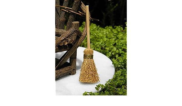 Miniature Dollhouse FAIRY GARDEN Accessories ~ Rustic Straw Broom ~ NEW