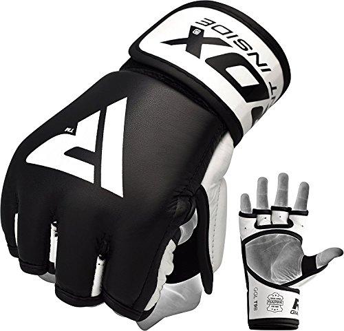 Presentamos nuestro diseño más liso en guantes de MMA. Estos guantes de agarre están destinados a moldear alrededor de su mano para el máximo confort, apoyo y ventilación de la humedad. El diseño a mano abierta realizado con piel de vaca cubre el ext...