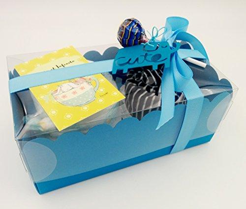 Regalo Molto Utile e Originale per Neonati | Set di 2 Cupcakes fatti con 1 BODY e 1 CAPPELLINO e un Pannolino DODOT | Tutto è di Marca, di Taglia 1-6 mesi| Materiale: Cotone 100% | Versione per Maschietti