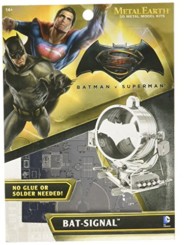 Metal Earth: Batman vs Superman Bat-Signal