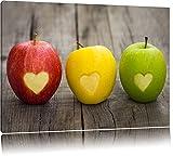 Ampel Herzäpfel in rot gelb grün! 3 Äpfel mit eingeschnittenen Herz auf einem Holztisch in der Farben rot gelb grün! Format, XXL riesige Bilder fertig gerahmt mit Holzkeilrahmen, Kunstdruck auf Leinwandbild mit Rahmen! (100x40cm)