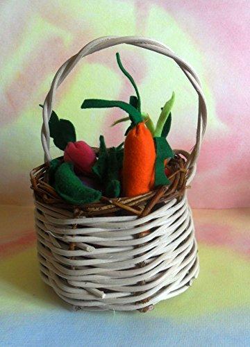 verdura-di-feltro-in-cestino-di-vimini
