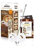 Monin Sirup Gourmetsauce ■ L'Artiste Latte Art Saucen Set ■ Kreatives Sirupset für Kaffee, Mokka, Latte und Kakao ■ Caramel und Cacao Kaffeesirup mit Art Pen und zwei Schablonen