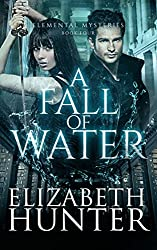 A Fall of Water: Elemental Mysteries Book Four (English Edition)
