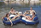 Sessel Lounge River Run Im Sommer entspannen... Ob alleine oder mit Freunden, mit der River Run Lounge ist dies auf dem See oder im Pool kein Problem. Eine bequeme Rückenlehne bietet angenehmen Sitzkomfort. Die Getränke können griffbereit in der Getränkevorrichtung verstaut werden. Der Clou: Die River Run Lounge kann über Verschlüsse mit weiteren River Run Lounges zu einer großen Chill-Zone verbunden werden. Relaxen ideal für Urlaub , Camping See der ideale Wasserspass und Abkühlung an heissen Tagen